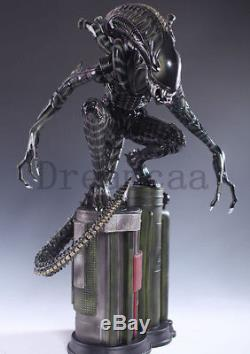 AVP Alien Vs Predator Alien Warrior Crouching 1/4 figure Resin Statue Spot NEW
