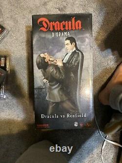 DRACULA vs RENFIELD POLYSTONE DIORAMA STATUE Universal Monsters Figure /500
