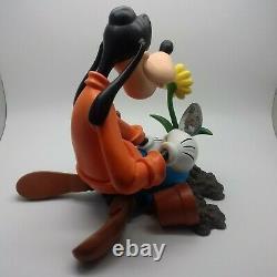 Disney statue GOOFY planting flowers figurine RUTTEN COLLECTION RESIN figure NEW