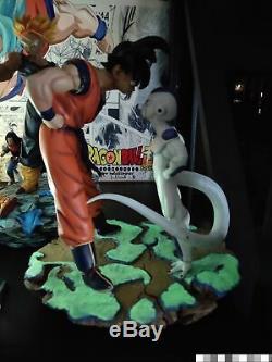 DragonBall Z DBZ Figure Frieza VS GOKU 1st Meet Resin Statue Luminous Base