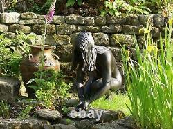 Female statue in Bronze resin Crouching collecting water Figure Garden nude