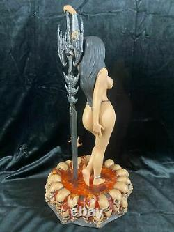 Hollywood Collectibles Group Guardian Girl Heavy Metal 2000 Statue Figure Exclus