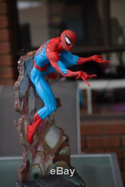 Marvel SIDESHOW SPIDERMAN STATUE comiquette FIGURE J Scott Campbell Exclusive