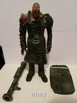 Resident Evil 3 Nemesis Resin Statue Figure Toy RARE