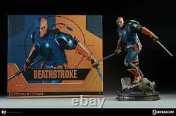 Sideshow Collectibles DC Comics Deathstroke Premium Format Figure Statue