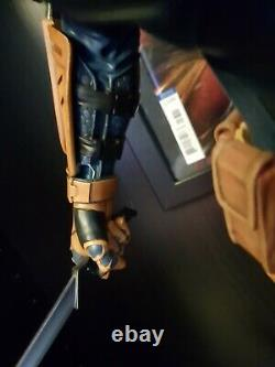 Sideshow Collectibles Deathstroke Premium Format Figure Statue