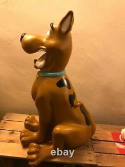 Warner Bros Extra Large Scooby Doo Resin Statue Figure