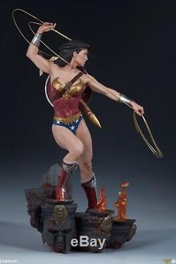 Wonder Woman Premium Format Figure Sideshow Collectibles Statue DC Comics