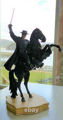 Zorro on Tornado Statue Figure Weta Collectibles 235/1000